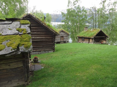 the old village of  Skredhaugen