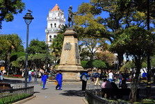 Plaza 25 de Mayo (hlavní náměstí)