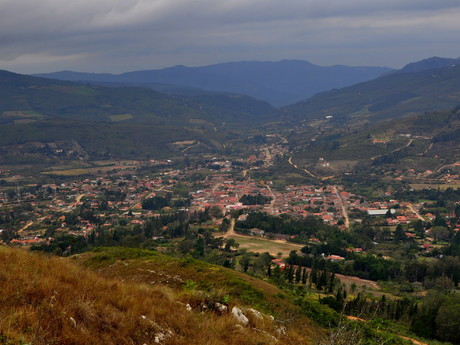 údolí a vesnice Samaipata