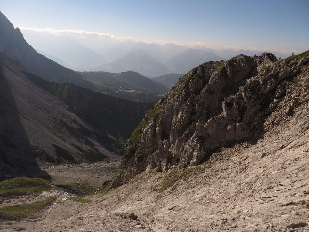 Klettersteig Rakousko : Rakousko dachstein der johann u a long klettersteig on the steep