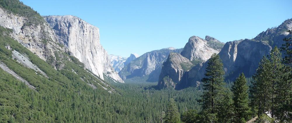 pohled na Yosemitské údolí