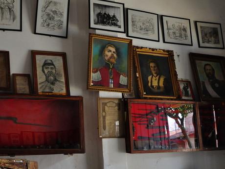 v múzeu histórie v Piribebuy