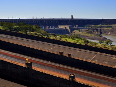 vodní elektrárna Bionacional Itaipú