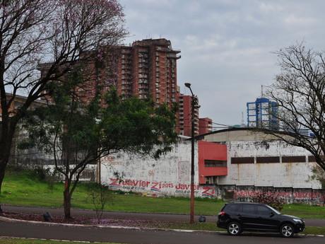 panelové město Ciudad del Este