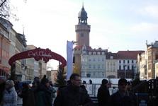 vánoční trhy, v pozadí Reichenbacher Turm, Görlitz