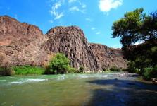 изумрудная река Чарын