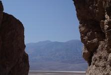 okolí Údolí smrti je plné kaňonů