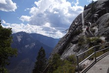 going to Moro Rock scenic point