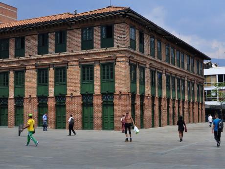 budova Edificio Carré v Parque de Las Luces