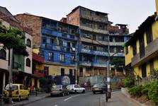 ulice cestou od Casa Museo Pedro Nel Goméz