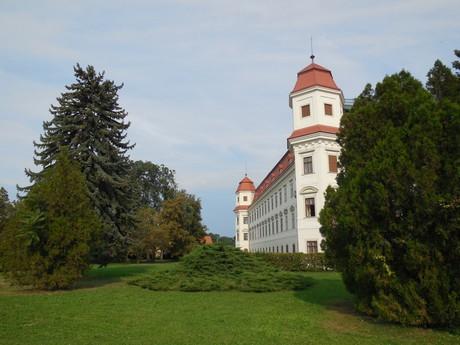 замок Голешов