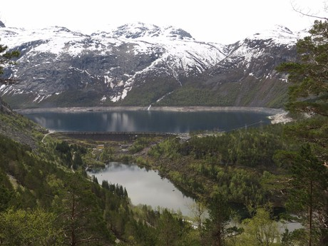 pohled na jezera Vetlavatnet a Ringedalsvatnet