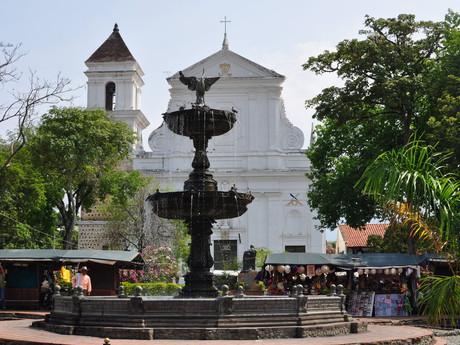 fontána a Catedral Basílica Metropolitana
