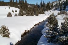 Modravský potok – pozdĺž cesty k rázcestiu Na Stratenom