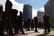 bezhlavé sochy v Grant Park
