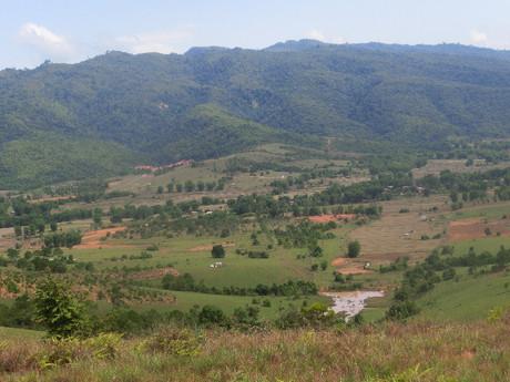 okolie Phonsavanu je ľudoprázdne