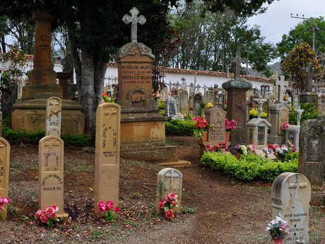 the cemetery in Barichara