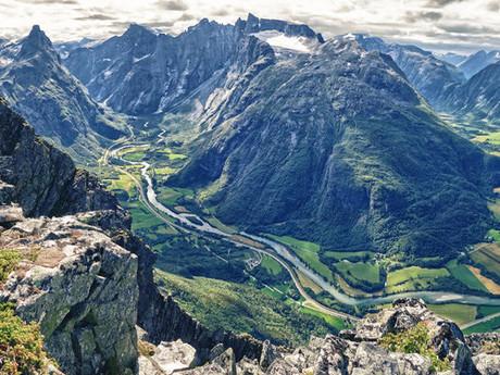 2. cena redakce Roman Závodský - Údolí řeky Rauma, Norsko