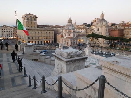 вид с памятника Виктора Эманнуэля II.