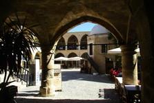 karavanseráj slúžil ako orientálny hostinec