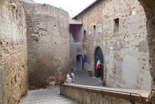 vstup do Národného archeologického múzea Cerite