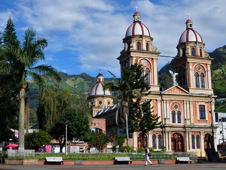 kostel na náměstí v Cajamarce