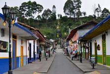 Calle Real a křížová cesta