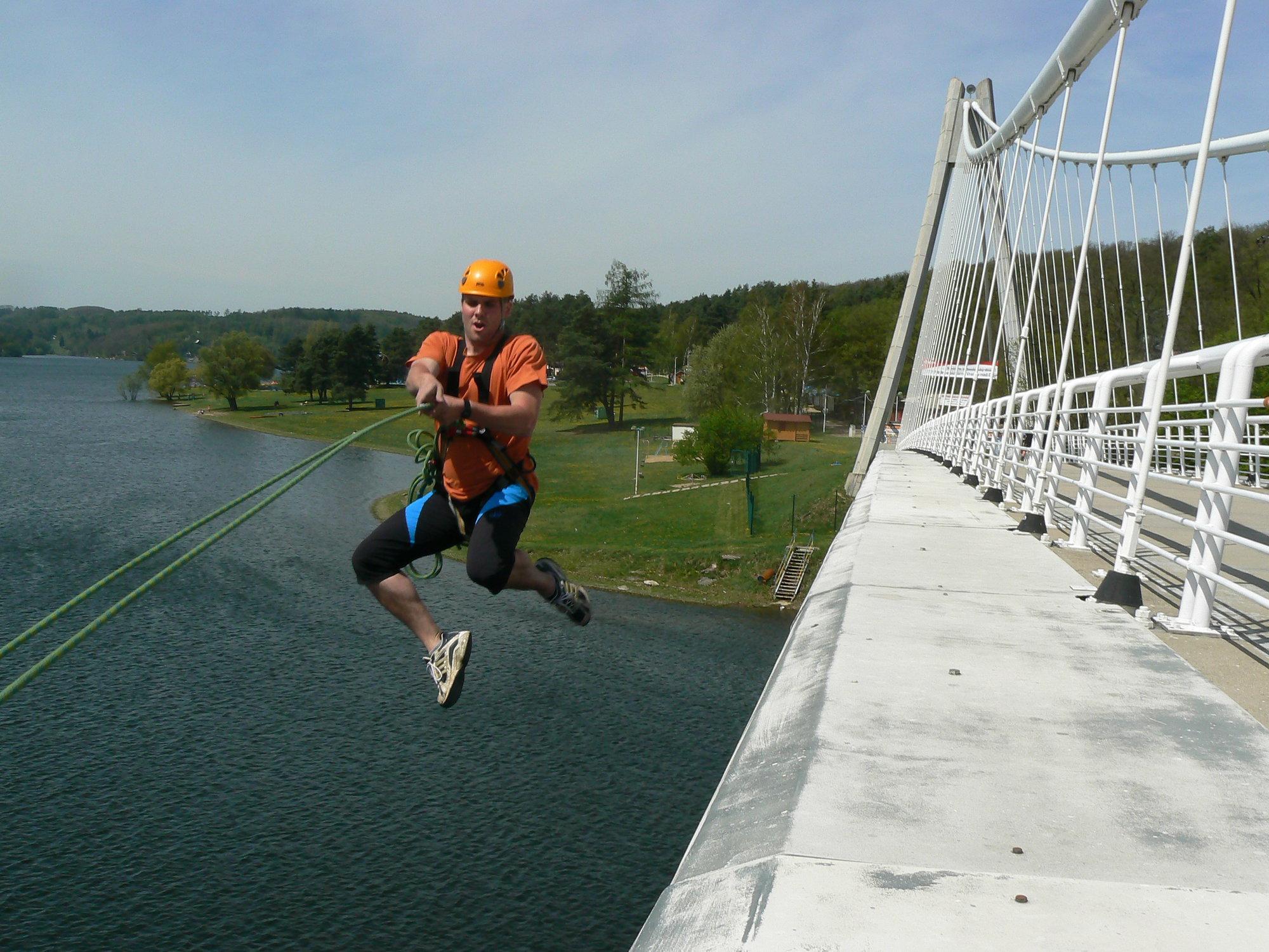 houpačka z mostu přes Vranovskou zátoku ... ced2b9bc76