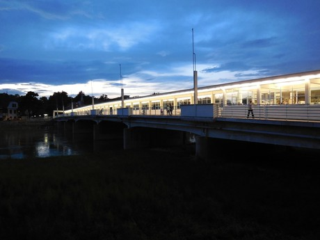 Colonnade bridge at night