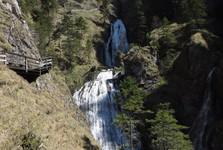 kaskády vodopádů