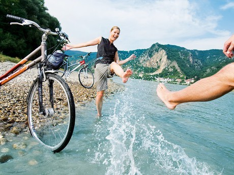 Danubian beach by Danubian bike trail, (c) Weissenbrunner – ARGE Donau Österreich