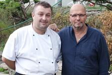 Majitel restaurace, pan Hanousek se Zd. Pohlreichem