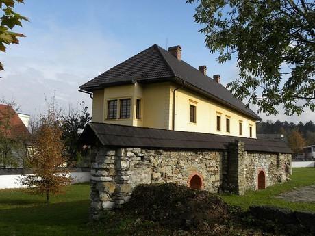 замок Радола