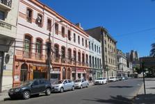 hlavní ulice k náměstí