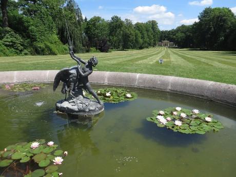 сад замка Сыхров