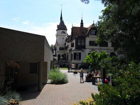 zámek Lešná a zoologická zahrada (Zlín)
