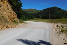 změna povrchu vozovky, směr od Blidinje