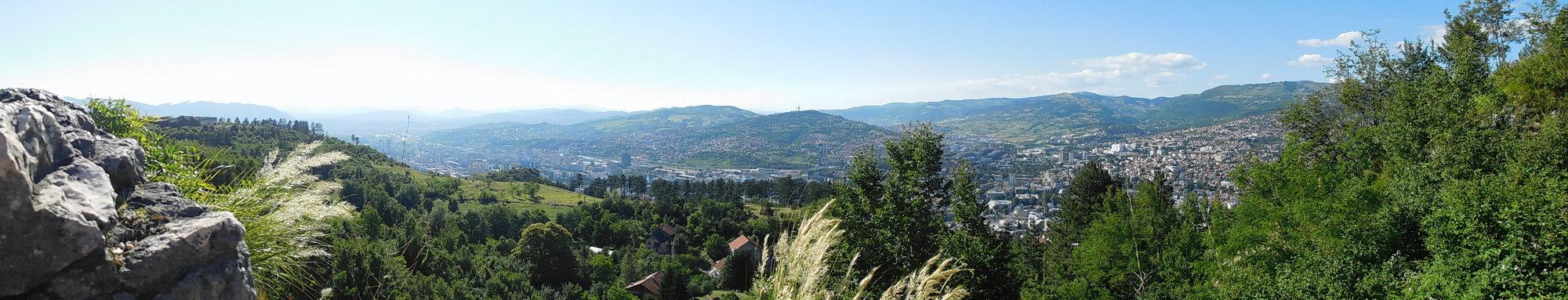 pohled z okolních hor