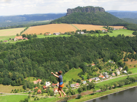 přírodní scenerie s výhledem na Lilienstein