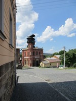 budova Ševčinského dolu s těžní věží