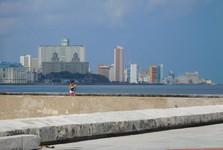 výhľad na promenádu Malecón