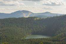 Čertovo jezero a Velký javor