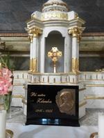 relikvia Zdenky Schelingovej v katolickom kostole v Rimavskej Sobote