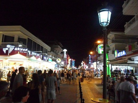 Paralia at night