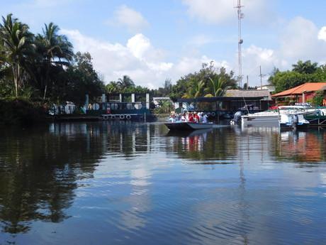 Guamá, připlouvání
