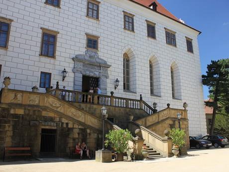 вход в замок - лестница