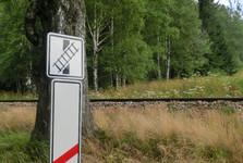 9 vlakových přejezdů na trase